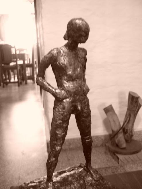 etsudio figura humana modelado en cera,pintada.