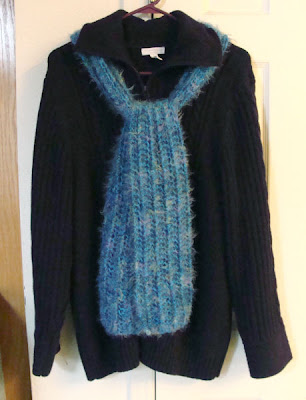 FREE KNITTING PATTERNS: Blue Mohair Boucle Scarf