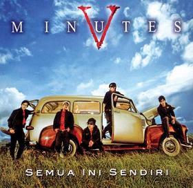 Cover Album Five Minutes 2009 berjudul Semua Ini Sendiri