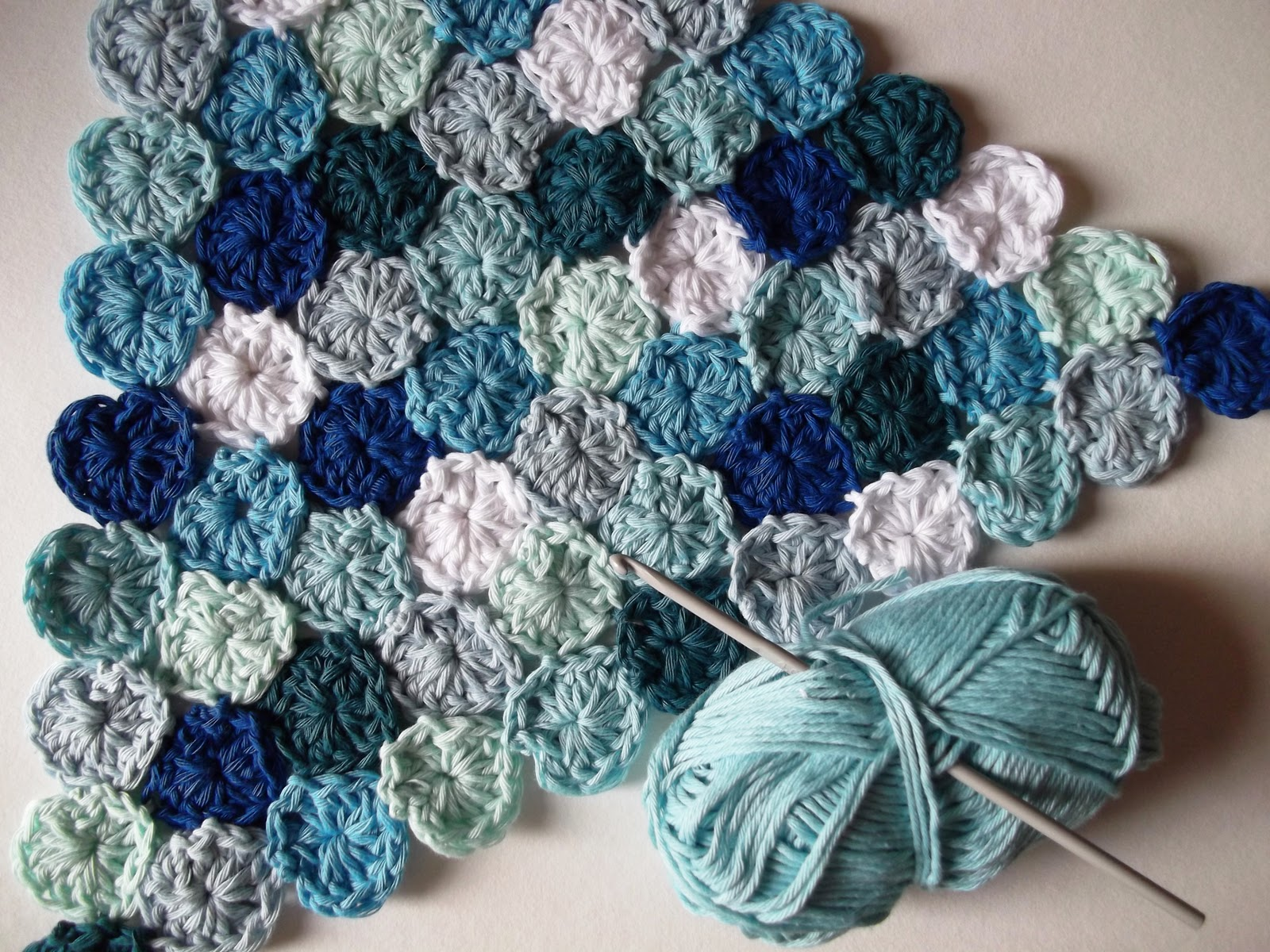 How To Crochet Tutorial Pictures : JuliaCrossland: How to Crochet Sea Pennies