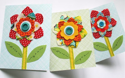 http://mmmcrafts.blogspot.com/2009/05/make-flower-card-for-mom.html