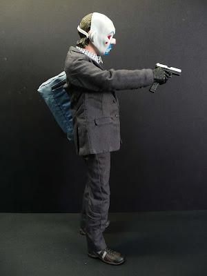 Heath Ledger Joker+pistol