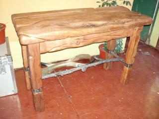 Mesones de madera rusticos for Mesones de madera