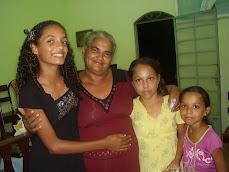 Missionária Aparecida e os jovens