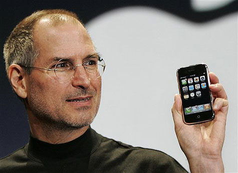 Jobs unveiling the iPhone