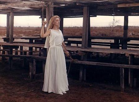 Девушка привязана в лесу фото фото 179-795