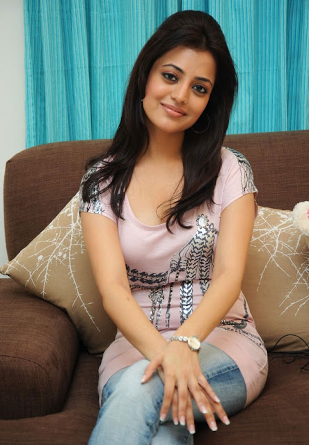 Nisha Agarwal Most Cute looking Photo Gallery hot photos