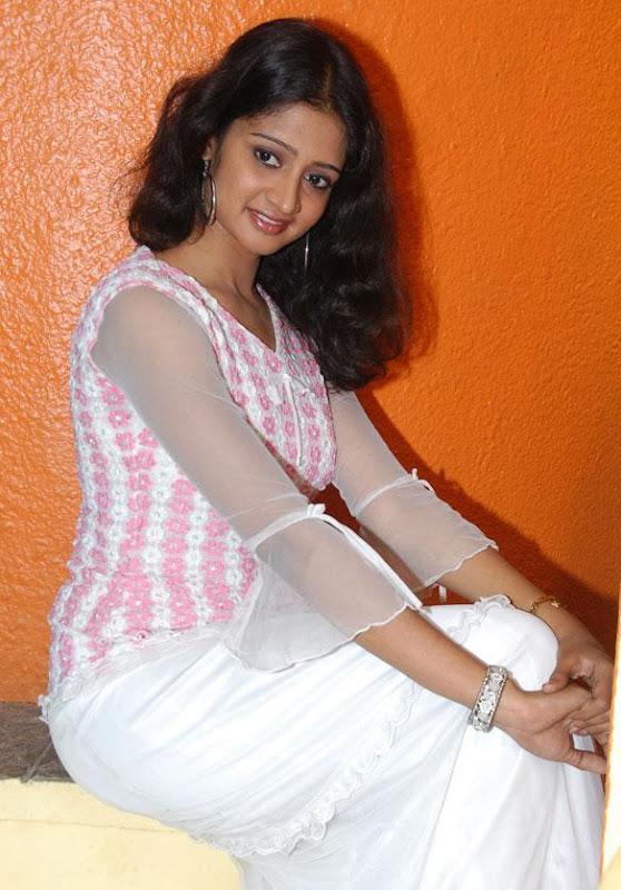 Actress Sandeepthi  Stills navel show