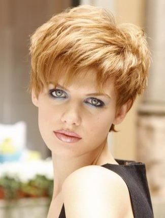 Model rambut pendek wanita yang menjadi trend 2010!