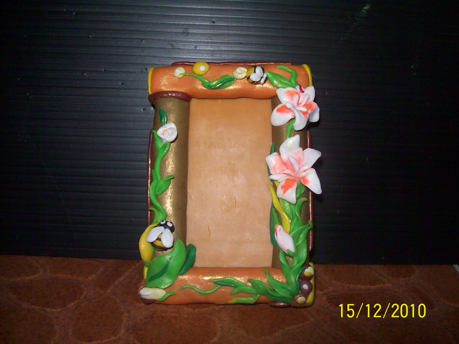 Claystationyong photo frame make with polymer clay handmake for Clay mural making