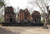 Sra Kampaeng Yai Khmer Ruins