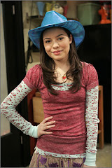 Miranda Cosgrovex