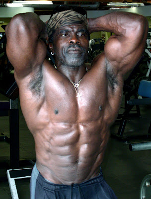 ROBBY ROBINSON - ABS AT SIXTY-TWO, VENICE CA 2008 E-mail Robby for CUSTOM training, nutrition and supplementation plans,  single training sessions and consultations - ▶ info@robbyrobinson.net