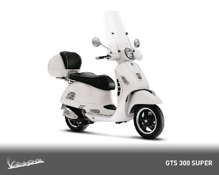 New Vespa GTS 300 SUPER