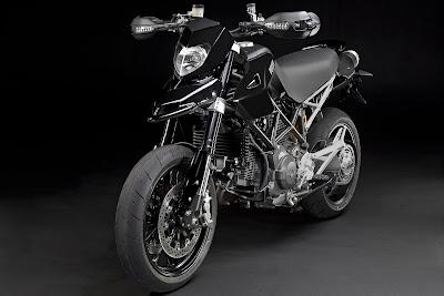 2011-Ducati-Hypermotard-1100-EVO
