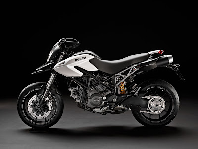 2011 Ducati Hypermotard 796 white