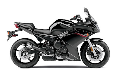 2011 Yamaha FZ6R metalic black