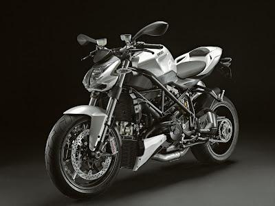 2011-Ducati-Streetfighter