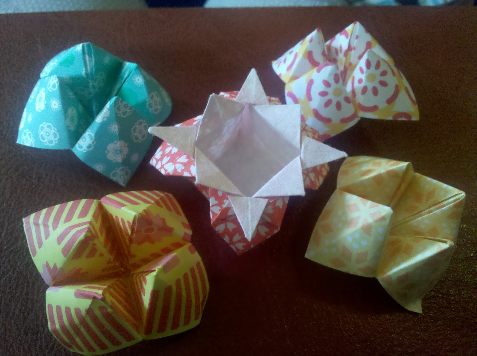 Wedding Hodgepodge: DIY: Origami Decor