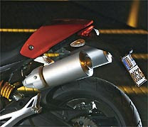 Ducati Monster 696 moto em L