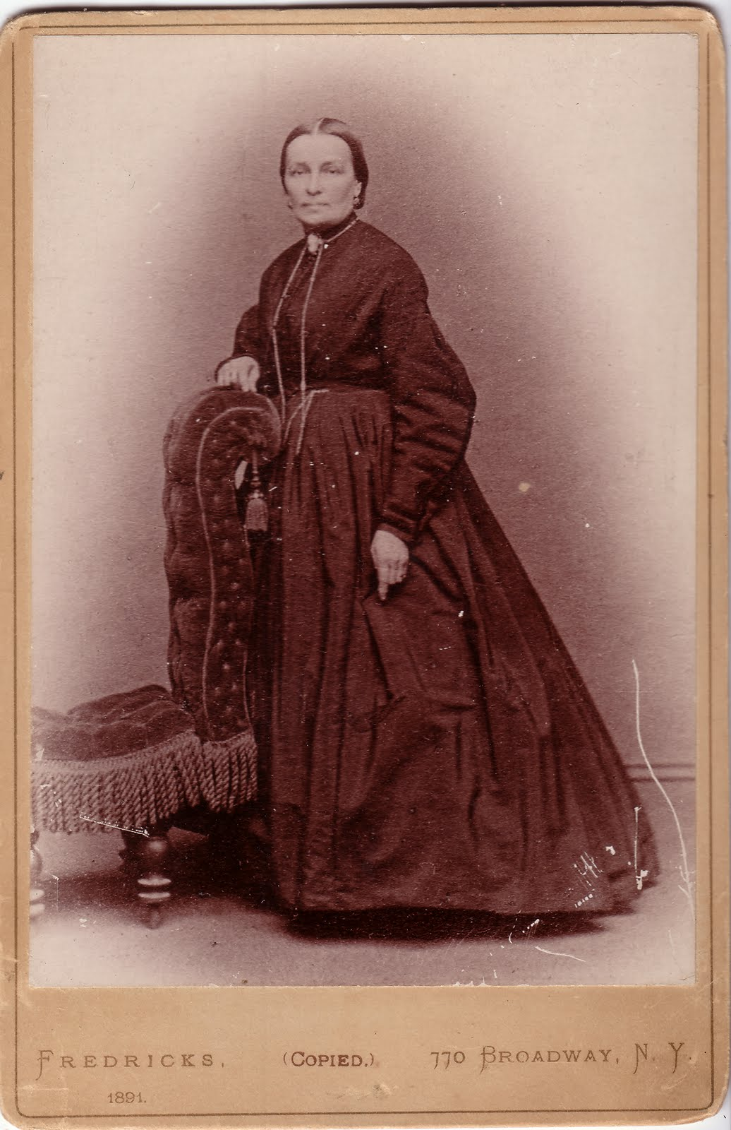 http://2.bp.blogspot.com/_1yxS-am2HNE/S_zu7EqbZoI/AAAAAAAAHGM/EZoHgADjcyc/s1600/Weber-Sophia_1815-1891_front_large_2a.jpg