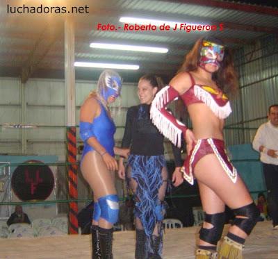 Luchadora - India Sioux