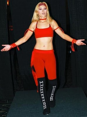 Juliet The Huntress - female wrestling