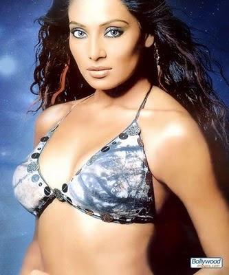 Bipasha Basu-sexy