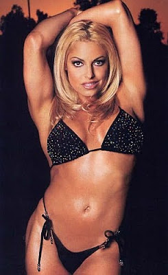 Trish Stratus - wwe raw - female wrestling