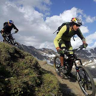 http://2.bp.blogspot.com/_2-C1h2aM9PQ/TEG39mSA4SI/AAAAAAAABAc/rDDnmdr_h3w/s1600/mountain-bike.jpg