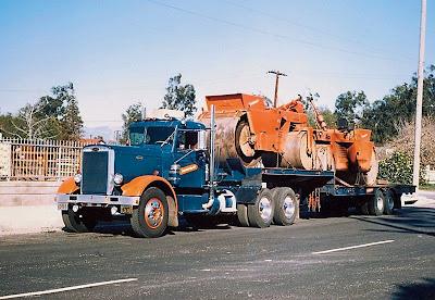 Старый американский грузовик Peterbilt. Самая что ни на есть классика