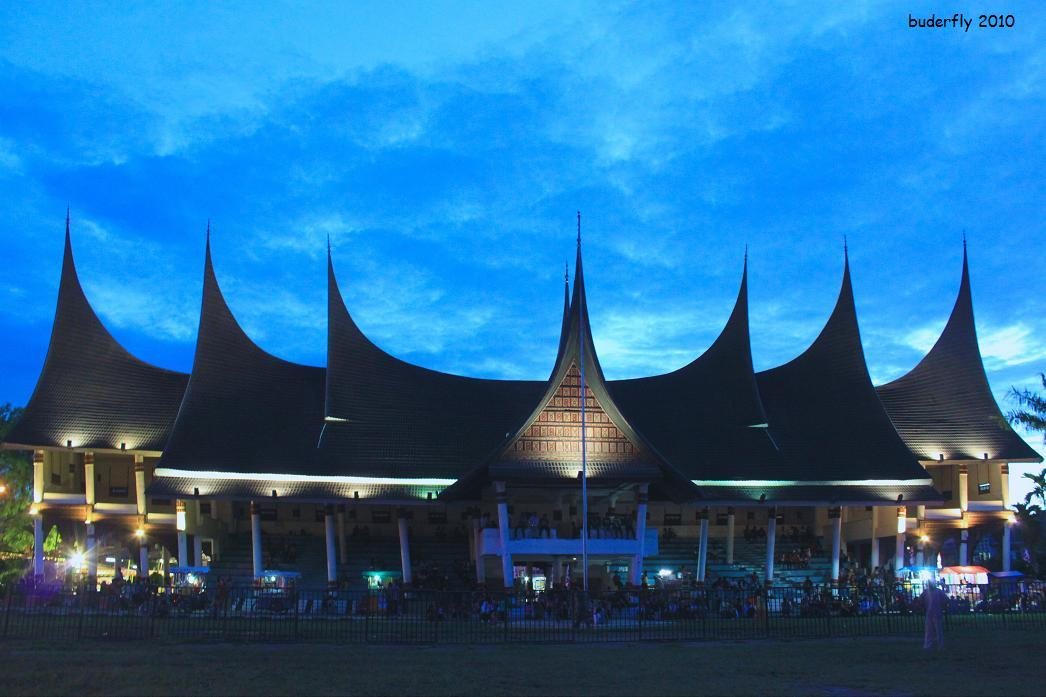 Suku Minangkabau atau Minang atau seringkali disebut Orang Padang ...