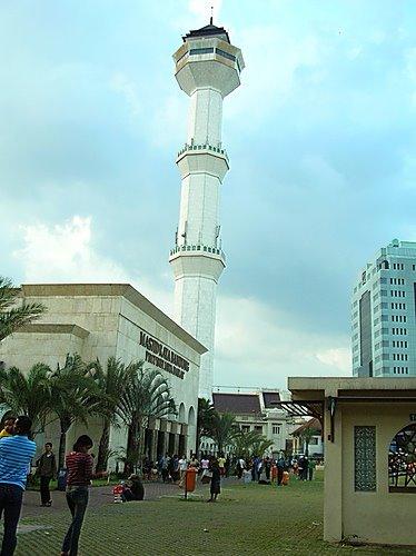 Mesjid Agung Bandung (Yulian Firdaus)
