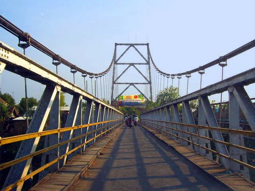 Jembatan Gantung Teluk Jambe