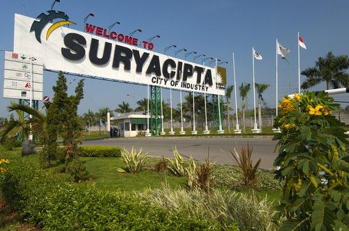 Gerbang utama kawasan industri Surya cipta