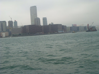 Vibrant Sea Line of Hong Kong:ibrant Waves @ South China Sea