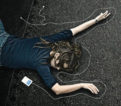 ipod death ad girl