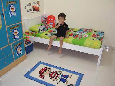 Aisy's room with all stuff yg mama dia jual..each pun mesti beli utk dia..
