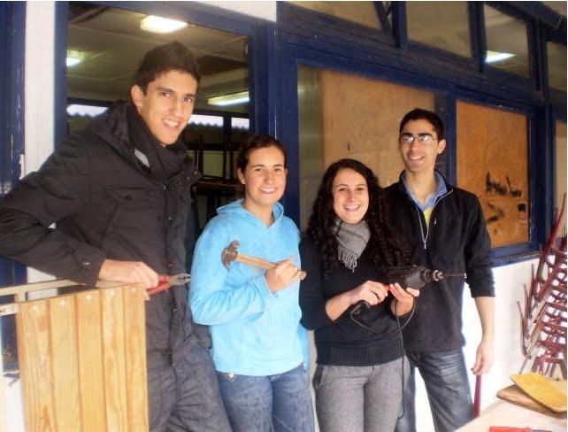 Recuperação de mobiliário cedido pelo Agrupamento de Escolas António José de Almeida