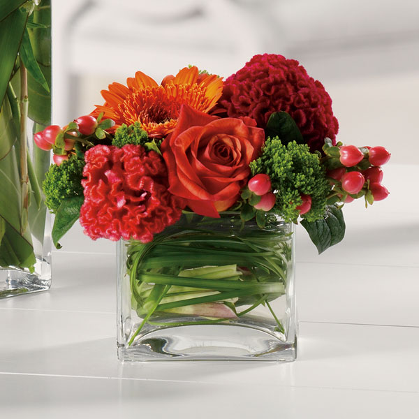 Fresh flowers delivery wedding flowers decoration fresh for Small fresh flower table arrangements