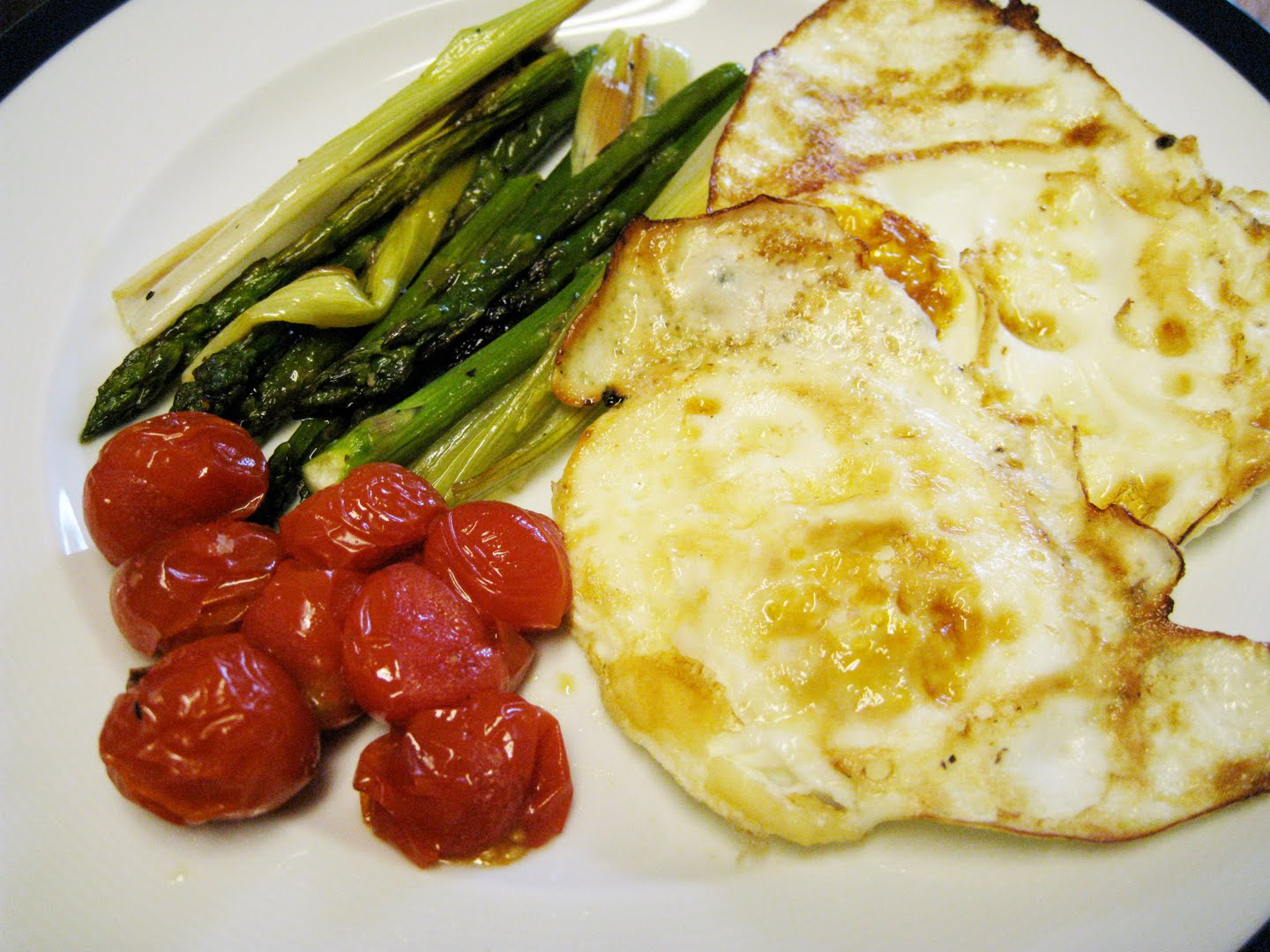 ... chaser: Fried Egg with Roasted Cherry Tomatoes, Asparagus, and Leeks