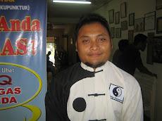 Pengurus Ibu Pejabat Homeopathy Gelang Mas, Pasir Mas, Kelantan.