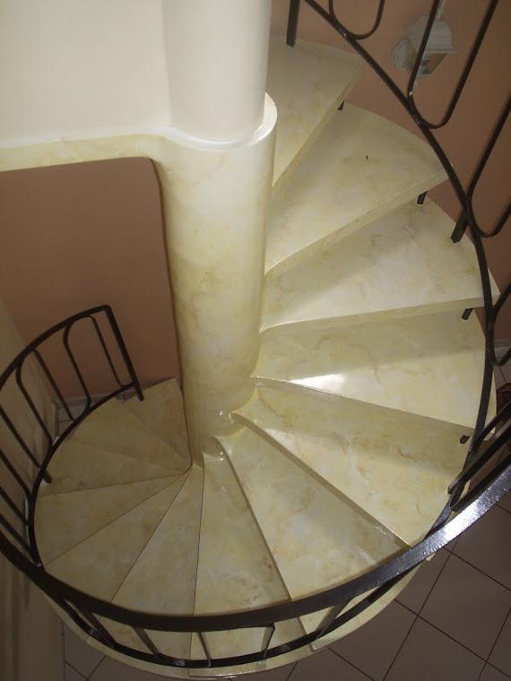 "Escada caracol ""crema marfil"""