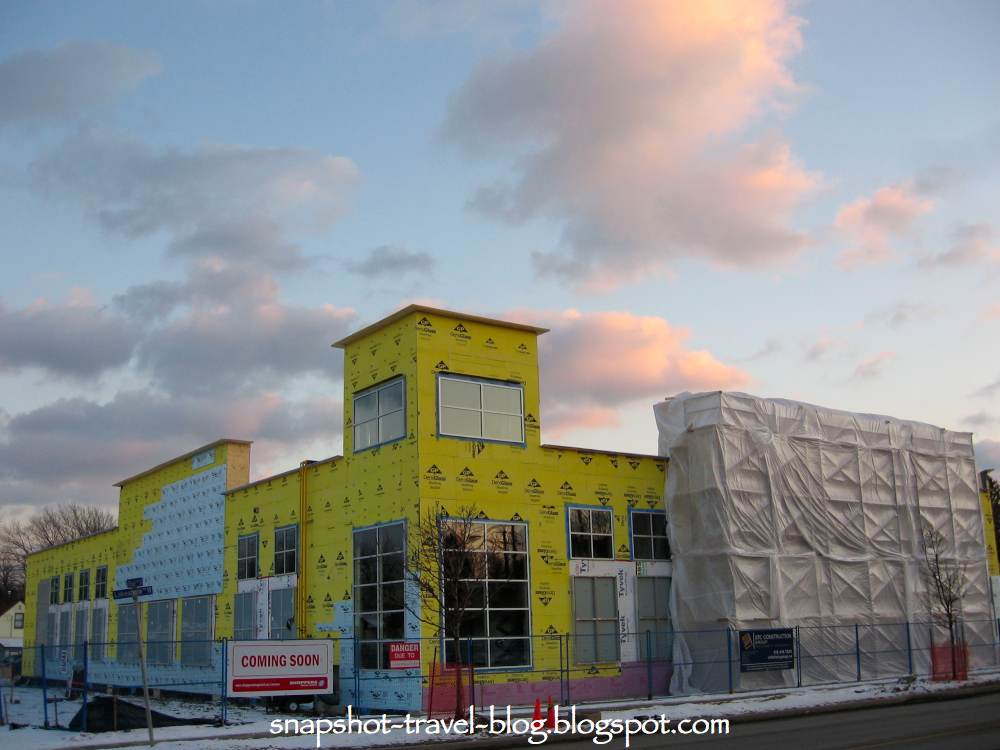 Snapshot travel blog shoppers drug mart port credit for Building a house in ontario