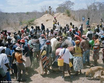 [Only+In+Zimbabwe+03.jpg]