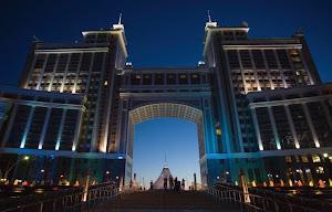 http://2.bp.blogspot.com/_29DWeWeHZq8/TLpGsV1AxoI/AAAAAAAABUo/biovkR5ma9w/s300/Kazakhstan%2B3.jpg