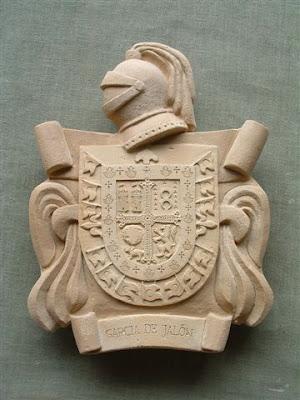 Escudos familiares con las armas dinasticas
