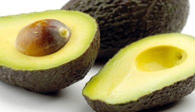 Owoce: awokado  [ smaczliwka, gruszka aligatorowa ]