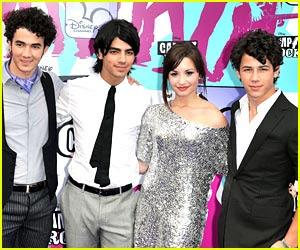 Jonas Brothers Demi Lovato on Detodofamous  Demi Lovato De Tour Con Los Jonas Brothers