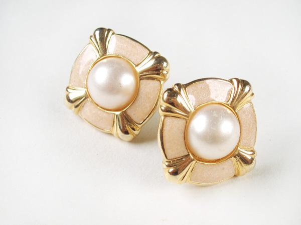 [earrings-peachepoxysqpearl1.jpg]